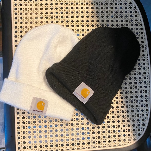 Carhartt Other - Carhartt beanies (black & white pair)